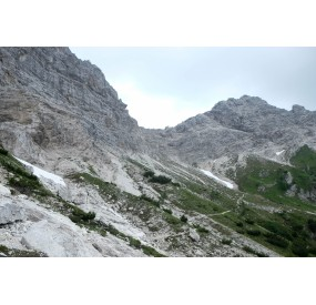 Traversing towards Forcella Duranno