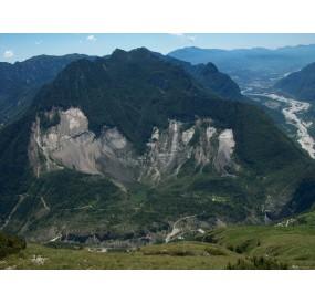 Il Toc e la frana visti dal monte Salta