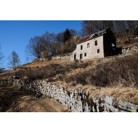 Abandoned traditional house, on the coal trail near Casso