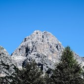 the unmistakable shape of the Duranno  #vistdolomiti #dolomiti #dolomites #unesco #unescoworldheritage #dolomitifriulane #mountains #mountainlovers #montagna #landscape #landscapephotography #paesaggio #nature #natura #fvg #hiking #escursione