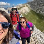 Happy faces around the dolomites today!  #vistdolomiti #dolomiti #dolomites #unesco #unescoworldheritage #dolomitifriulane #mountains #mountainlovers #montagna #landscape #landscapephotography #paesaggio #nature #natura #fvg #hiking #escursione #beauty #trekking #italy #happiness #outdoor #outdoorphotography  #liveoutdoor #outdoorlife #explore
